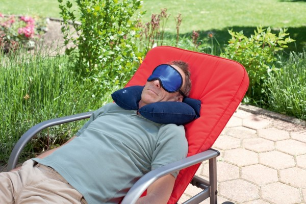 Reiseset mit Nackenkissen Schlafmaske und 2 Paar Antiphone